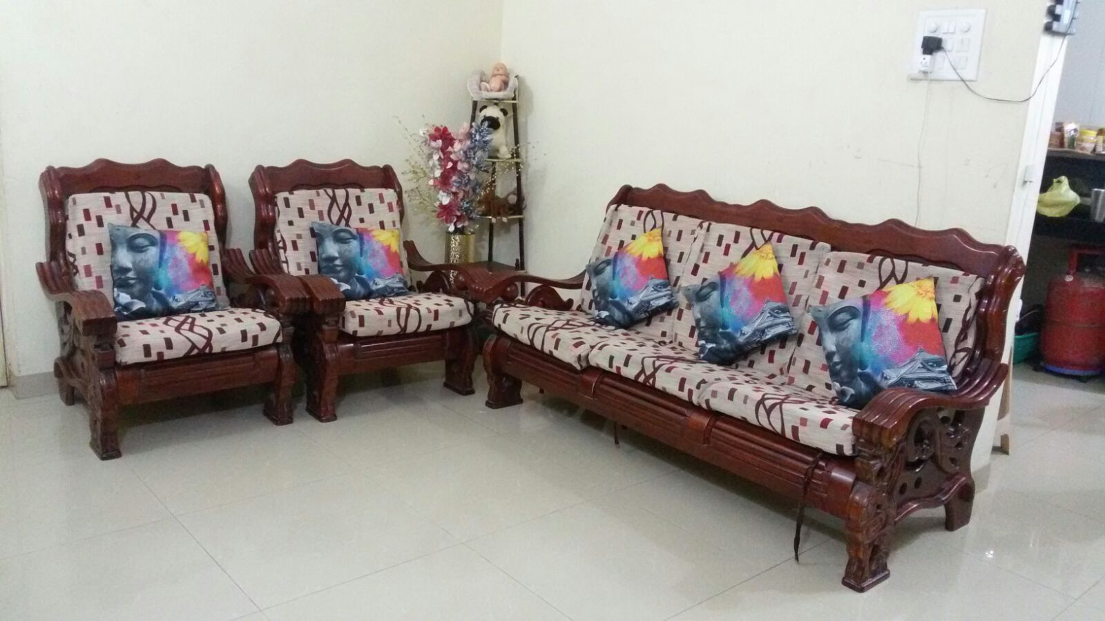 Second Hand Sofa Set Second Hand Sofa Sets Used Home Office Furniture In Chennai Thesofa